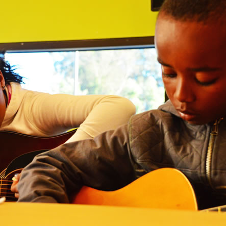 CCC_kids-with-guitars